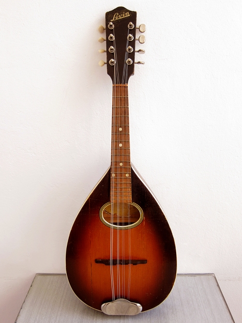 Levin Model 46, 8-string mandolin, Made in Sweden 1949
